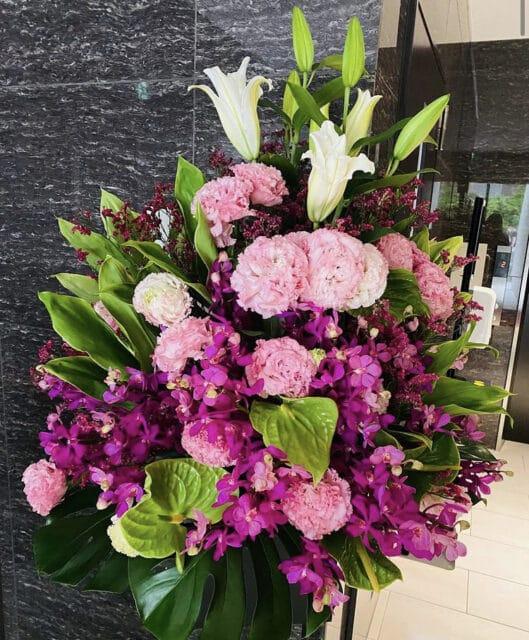 長尾店入口のお花が新調されました